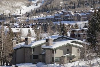 Tamarack Townhouses, A Destination Residence