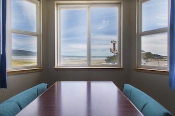 Anchor Beach Inn - Guestroom View  - #0