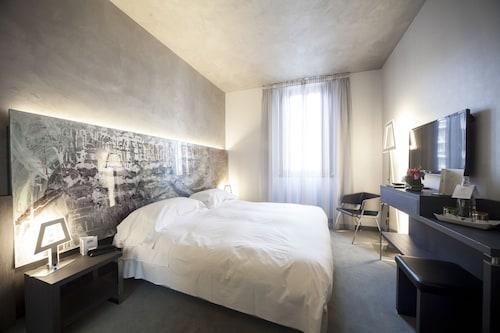 __{offers.Best_flights}__ Arli Hotel Business and Wellness