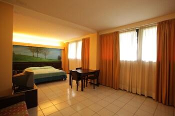 Standard Triple Room, 1 Bedroom, Non Smoking, Private Bathroom