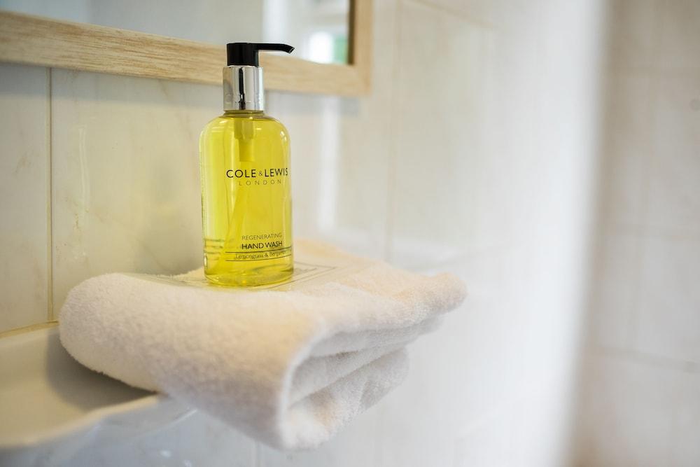 옌톤 호텔(The Yenton Hotel) Hotel Image 28 - Bathroom