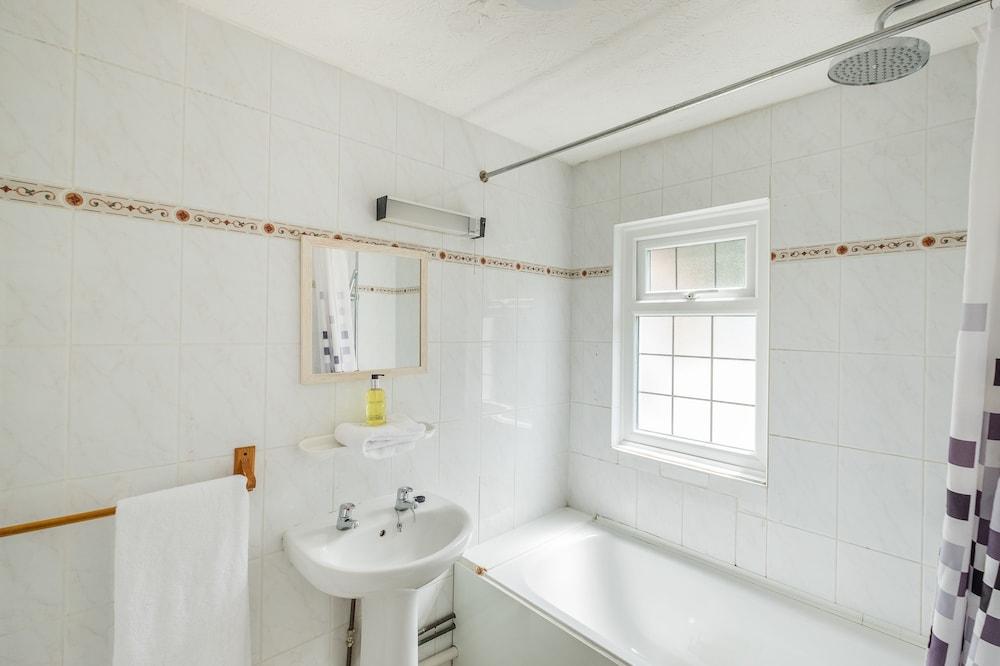옌톤 호텔(The Yenton Hotel) Hotel Image 24 - Bathroom