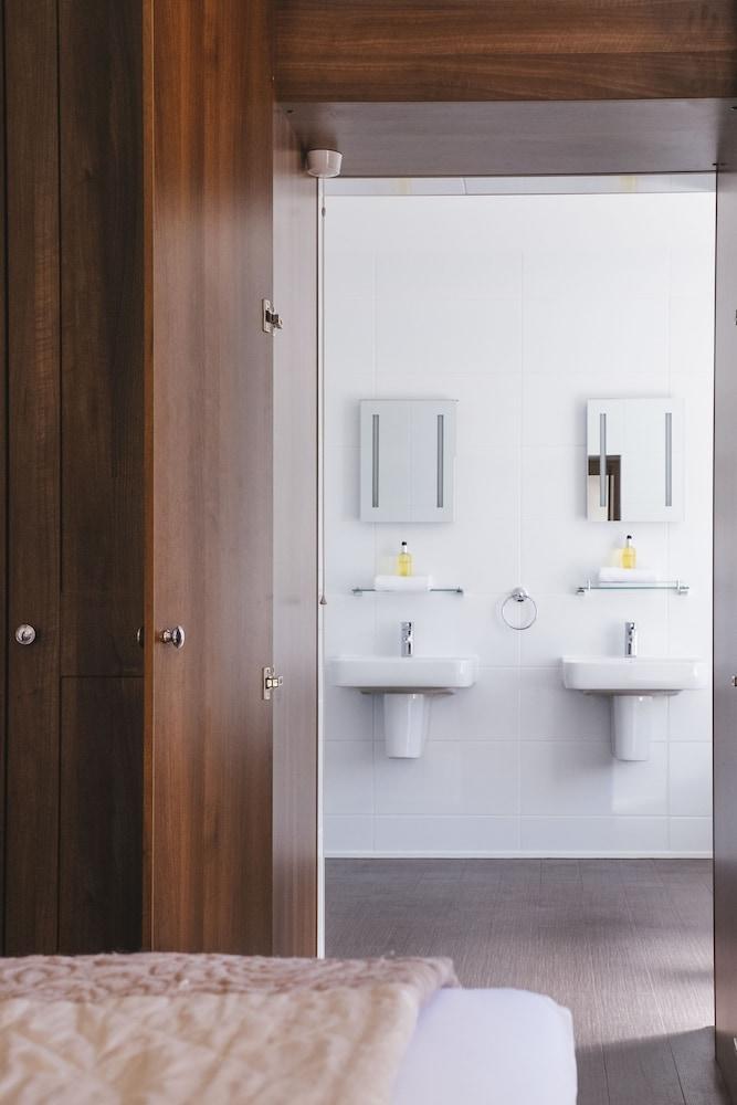 옌톤 호텔(The Yenton Hotel) Hotel Image 30 - Bathroom Sink