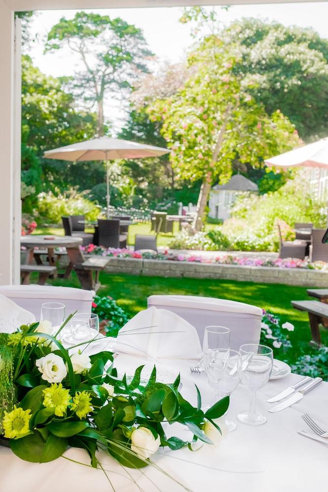 옌톤 호텔(The Yenton Hotel) Hotel Image 45 - Outdoor Dining