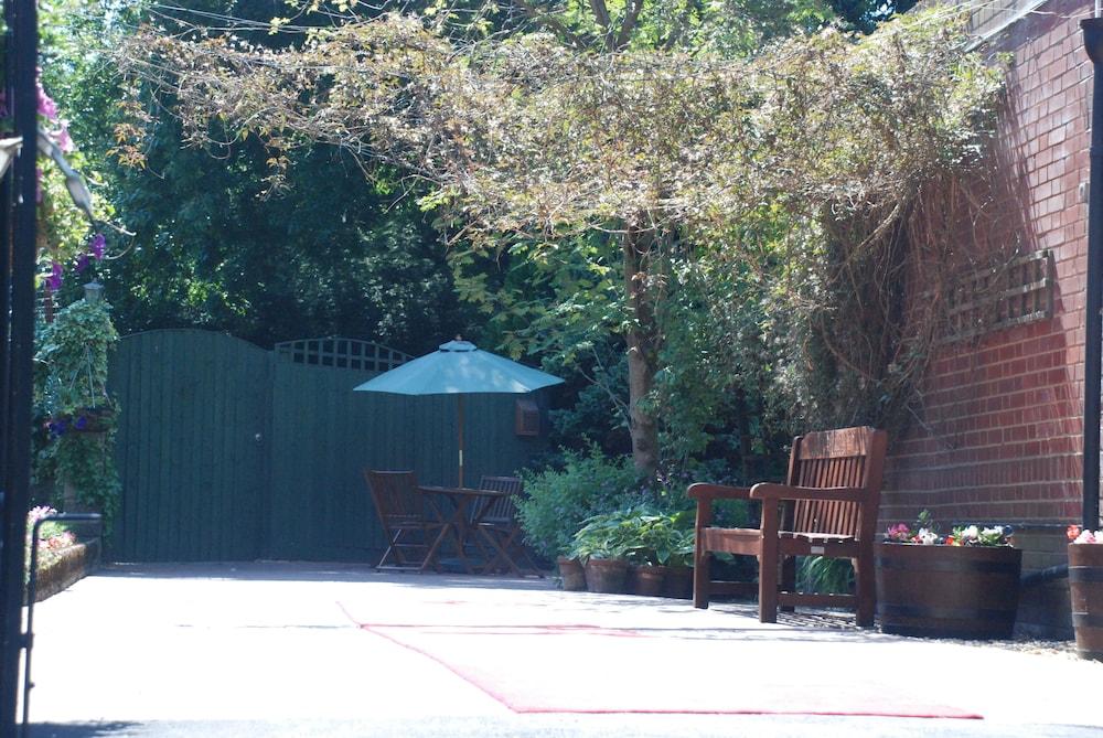옌톤 호텔(The Yenton Hotel) Hotel Image 46 - Terrace/Patio