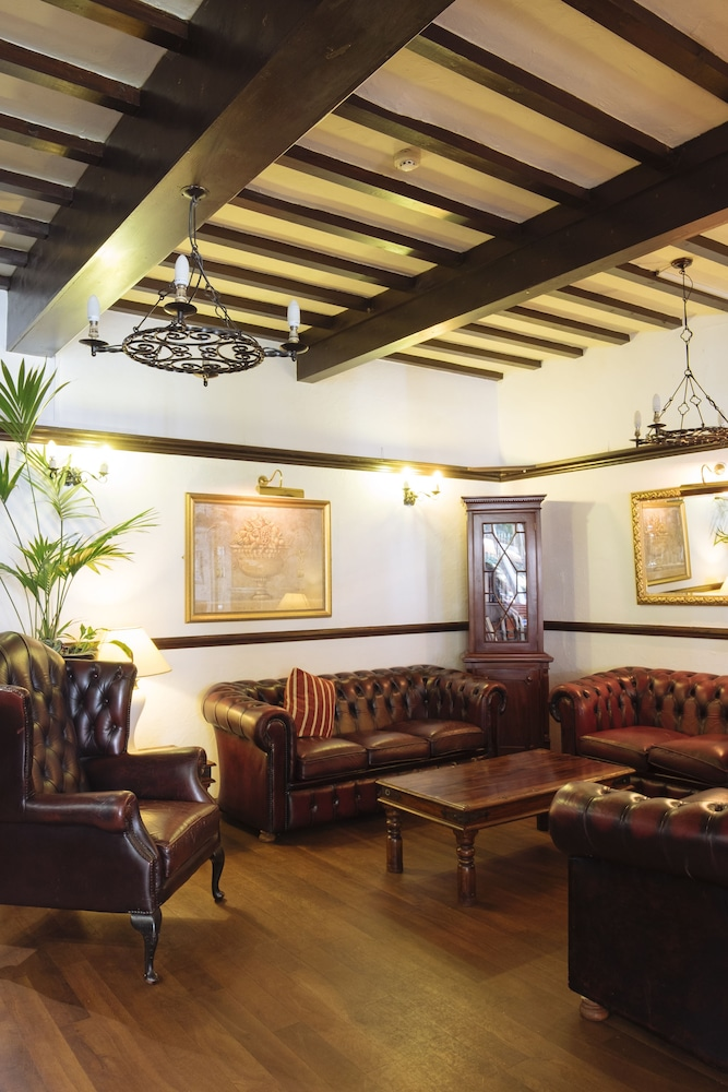 옌톤 호텔(The Yenton Hotel) Hotel Image 0 - Lobby Sitting Area