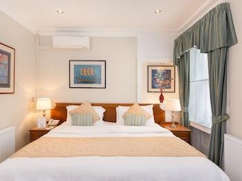 Superior Single Room, Ensuite (Lower Ground Floor)