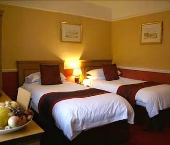 클로벤퍼즈 컨트리 인(Clovenfords Country Inn) Hotel Image 13 - Guestroom