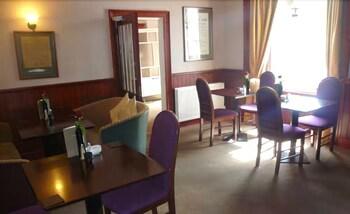 클로벤퍼즈 컨트리 인(Clovenfords Country Inn) Hotel Image 14 - Restaurant