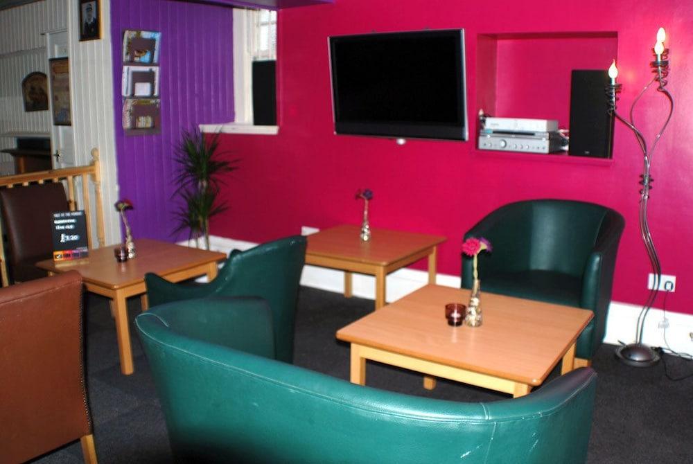 클로벤퍼즈 컨트리 인(Clovenfords Country Inn) Hotel Image 19 - Hotel Lounge