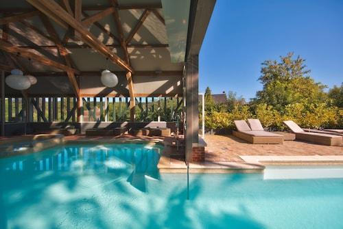 __{offers.Best_flights}__ Hotel de La Licorne & Spa Nuxe