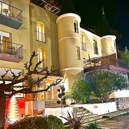 . Appart'Hotel Castel Emeraude