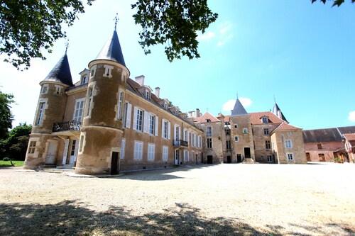 . Château d'Island Avallon Vézelay