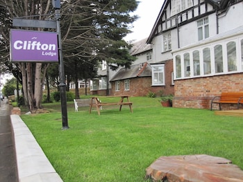Hotel - Clifton Lodge Hotel