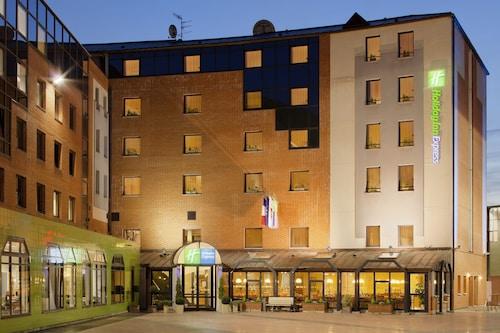 . Holiday Inn Express Arras