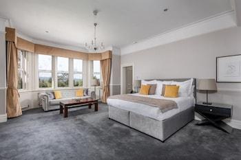 Junior Suite, 1 King Bed, Garden View