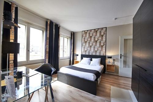 . L'aparthoteL LhL