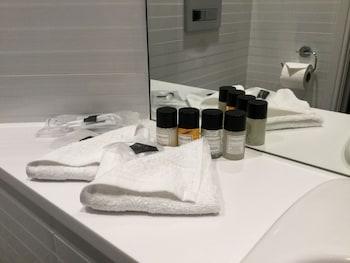 Mornington Hotel London Victoria - Bathroom  - #0