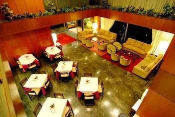 Iniohos Hotel