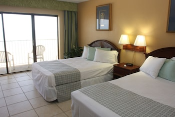 Two Double Beds, Ocean Front with Kitchenette