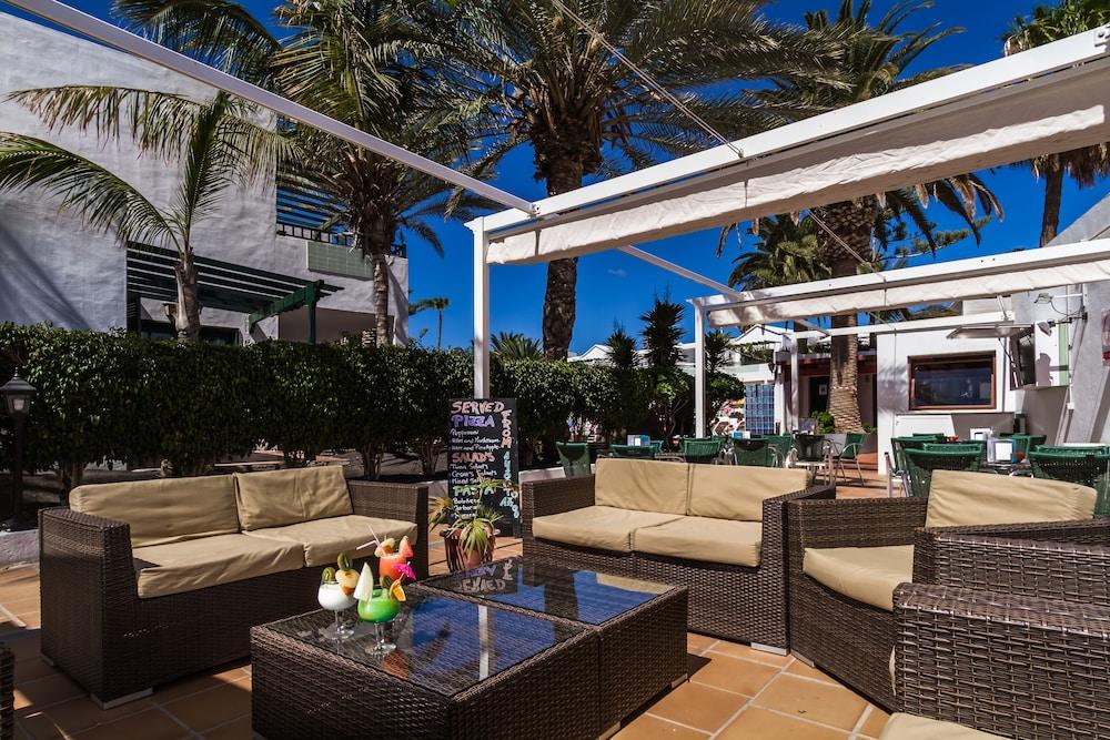 라브란다 플라야 클럽(LABRANDA Playa Club) Hotel Image 44 - Hotel Bar