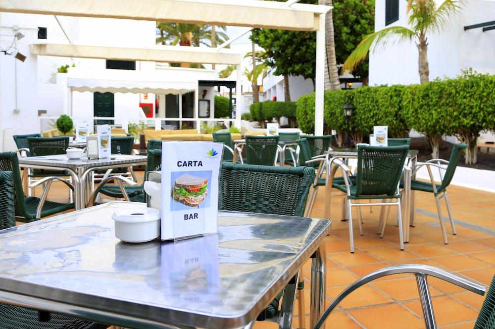 라브란다 플라야 클럽(LABRANDA Playa Club) Hotel Image 45 - Hotel Bar