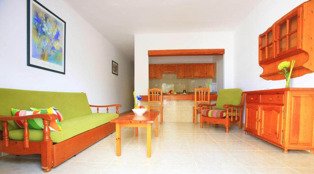 라브란다 플라야 클럽(LABRANDA Playa Club) Hotel Image 16 - Living Area