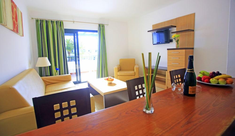 라브란다 플라야 클럽(LABRANDA Playa Club) Hotel Image 17 - Living Area