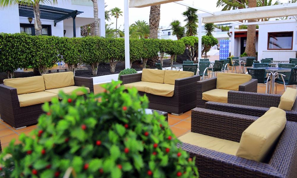 라브란다 플라야 클럽(LABRANDA Playa Club) Hotel Image 46 - Hotel Bar