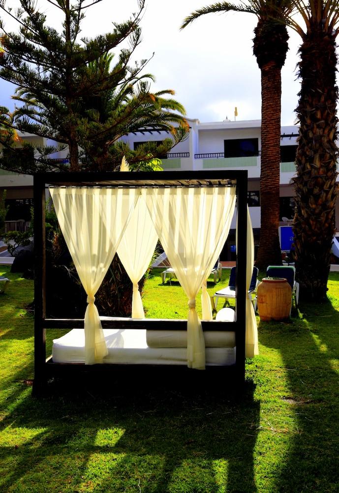라브란다 플라야 클럽(LABRANDA Playa Club) Hotel Image 52 - Sundeck