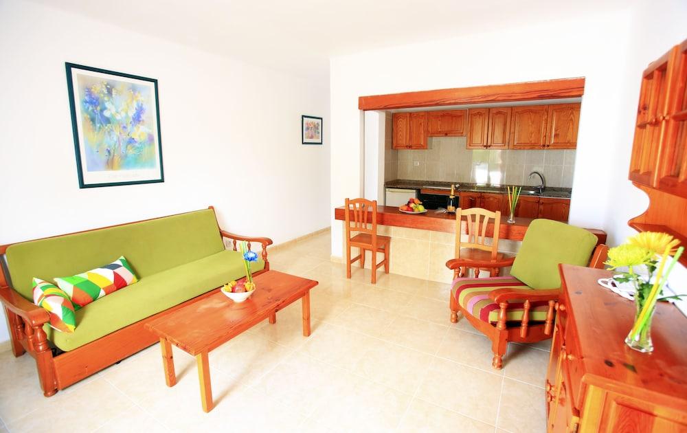 라브란다 플라야 클럽(LABRANDA Playa Club) Hotel Image 18 - Living Area