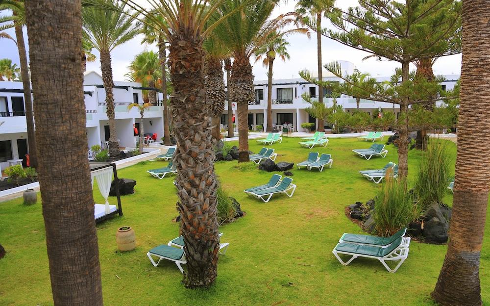 라브란다 플라야 클럽(LABRANDA Playa Club) Hotel Image 1 - Sundeck