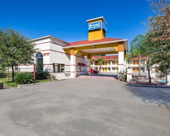 Hotel - Rodeway Inn & Suites Humble, TX