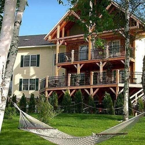 . Mountain Edge Resort & Spa at Sunapee