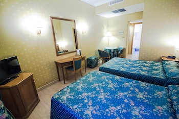 Standard Triple Room, Accessible, Private Bathroom