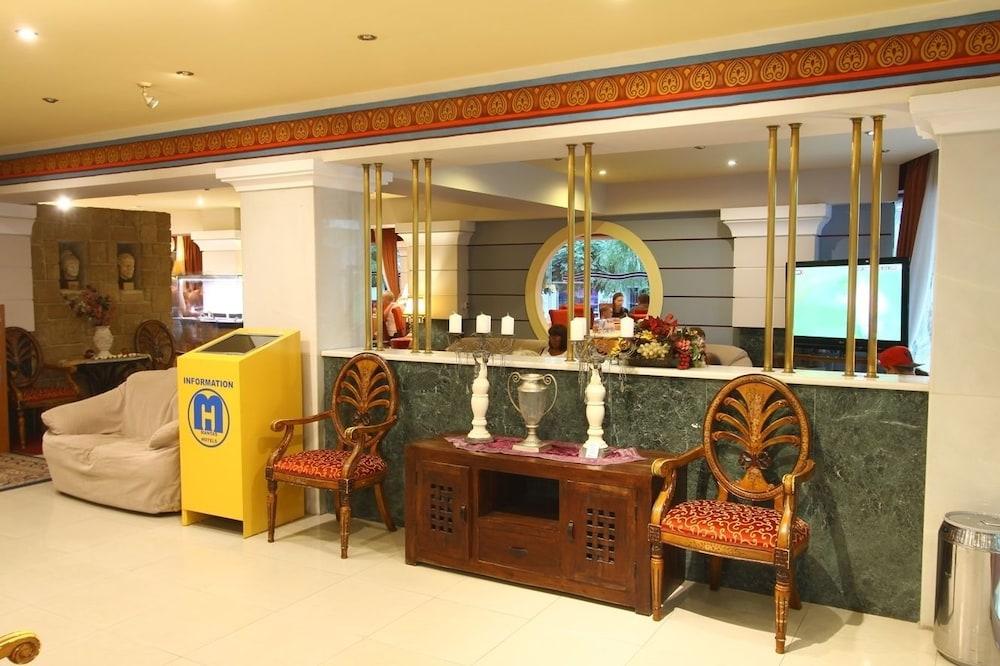 https://i.travelapi.com/hotels/2000000/1390000/1387900/1387862/0394da68_z.jpg