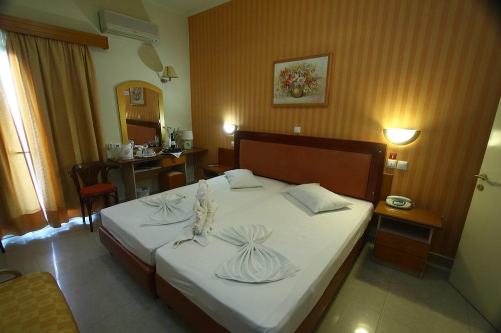 https://i.travelapi.com/hotels/2000000/1390000/1387900/1387862/87597ae4_z.jpg