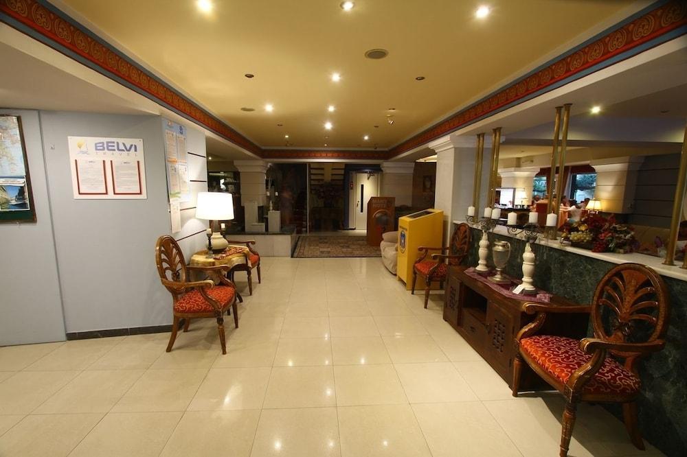 https://i.travelapi.com/hotels/2000000/1390000/1387900/1387862/f919f348_z.jpg