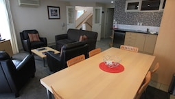 Superior Apartment, 3 Bedrooms, Jetted Tub