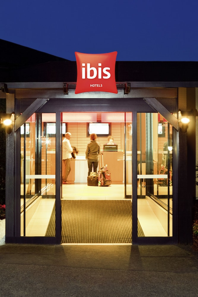 이비스 센리스(ibis Senlis) Hotel Image 63 - Hotel Front - Evening/Night