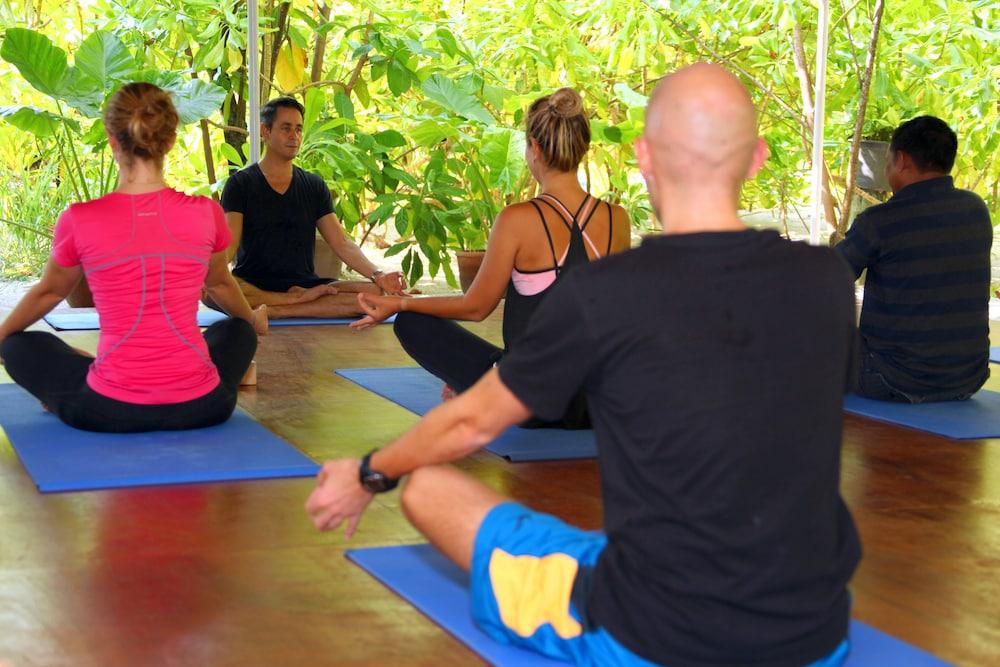 미리히 아일랜드 리조트(Mirihi Island Resort) Hotel Image 34 - Yoga