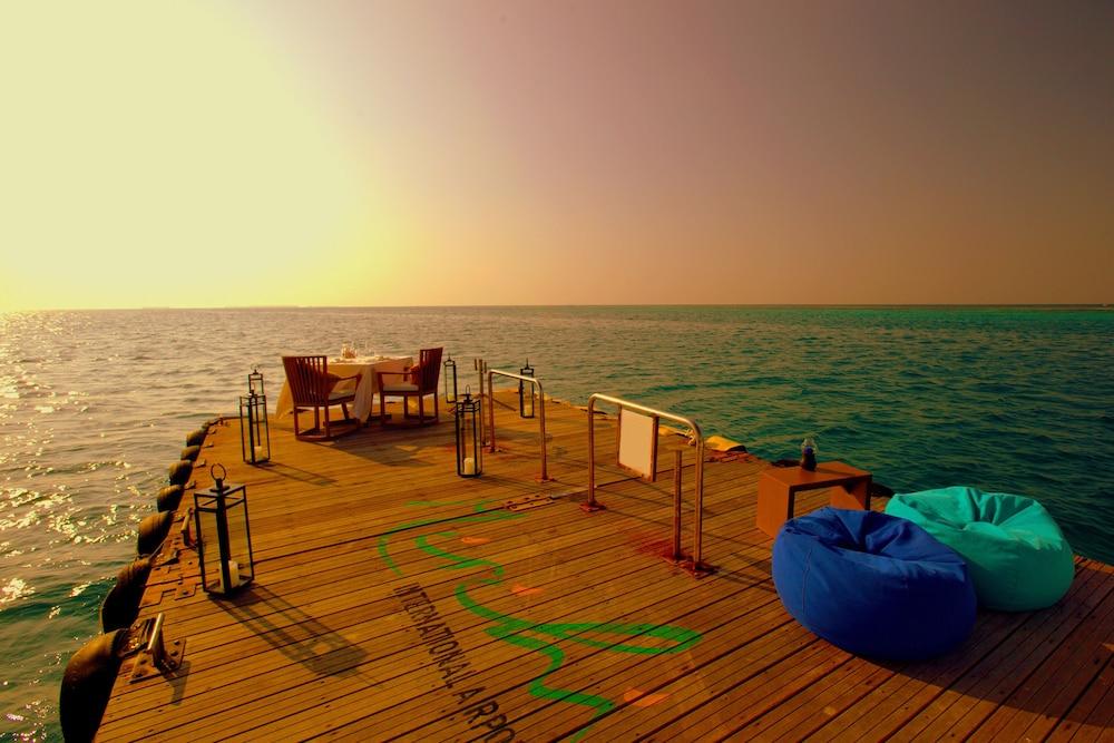 미리히 아일랜드 리조트(Mirihi Island Resort) Hotel Image 64 - Couples Dining