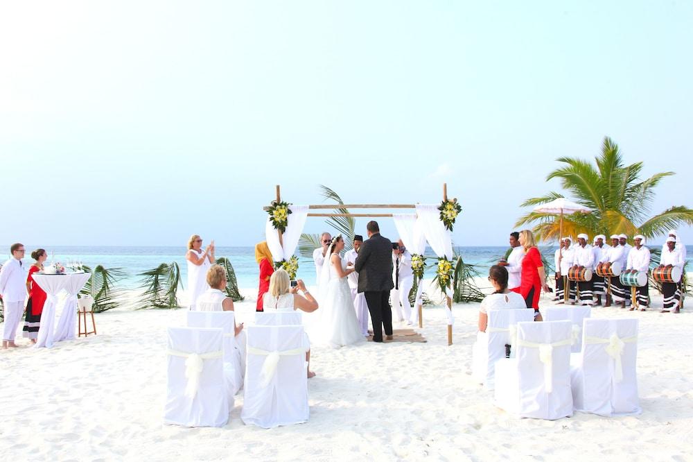 미리히 아일랜드 리조트(Mirihi Island Resort) Hotel Image 97 - Outdoor Wedding Area