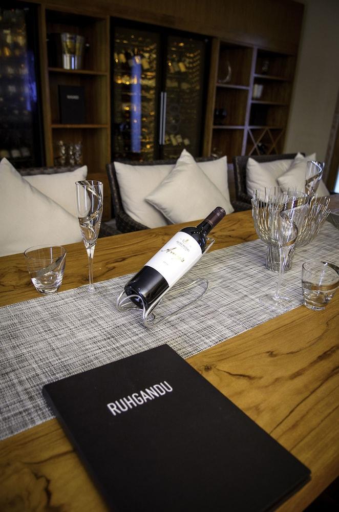 미리히 아일랜드 리조트(Mirihi Island Resort) Hotel Image 48 - Dining