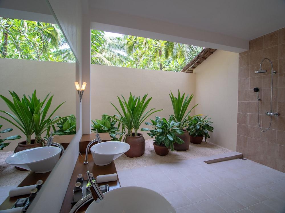 미리히 아일랜드 리조트(Mirihi Island Resort) Hotel Image 31 - Bathroom