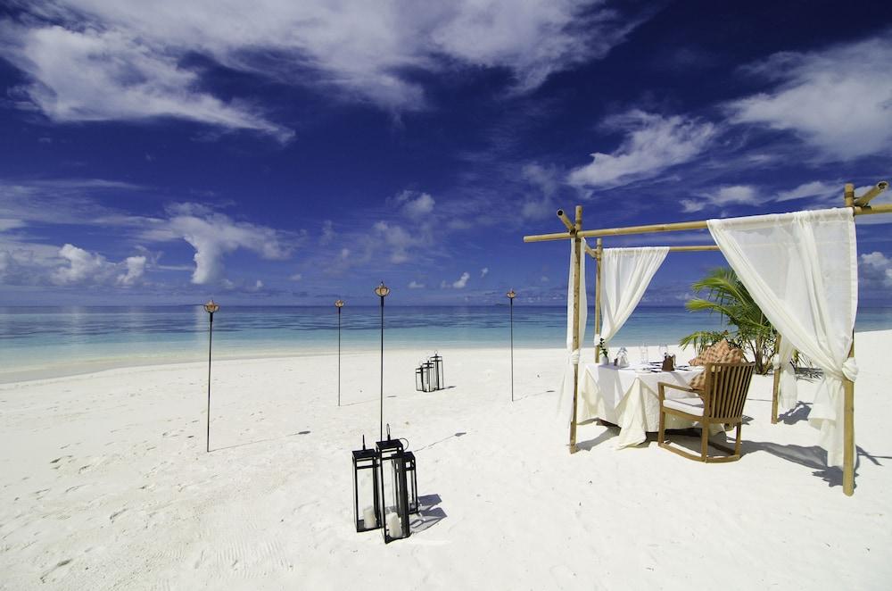 미리히 아일랜드 리조트(Mirihi Island Resort) Hotel Image 63 - Couples Dining