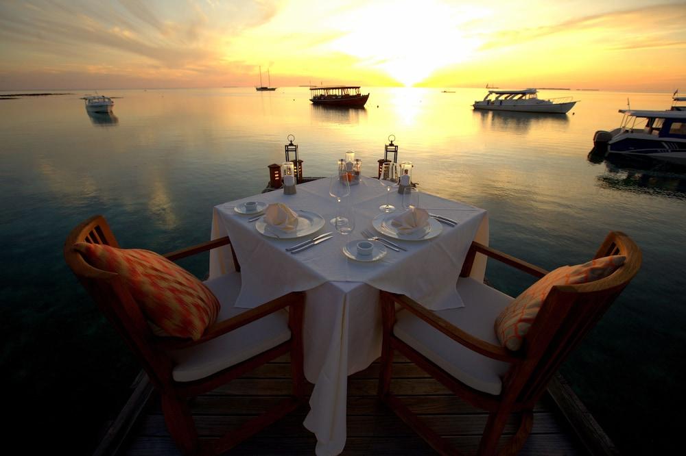 미리히 아일랜드 리조트(Mirihi Island Resort) Hotel Image 59 - Couples Dining