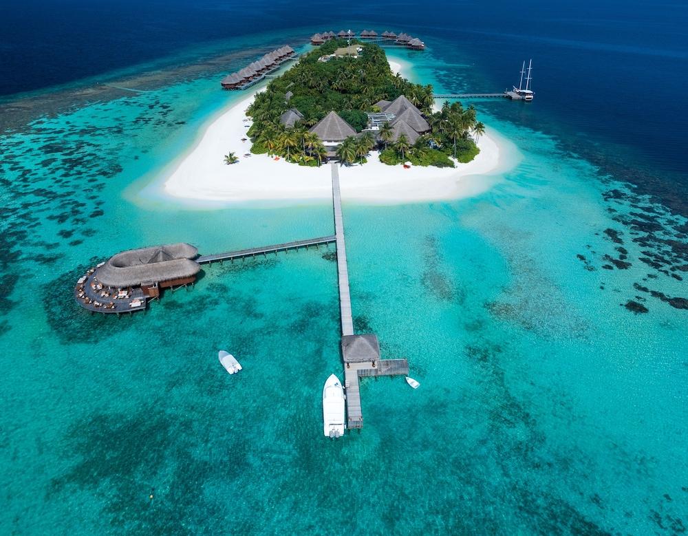 미리히 아일랜드 리조트(Mirihi Island Resort) Hotel Image 0 - Featured Image