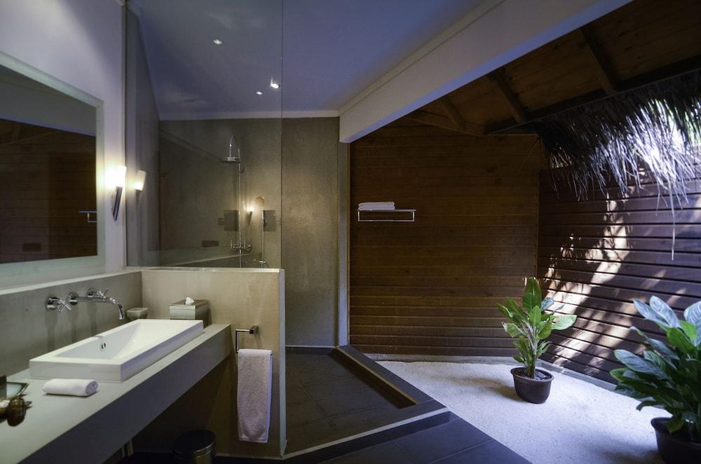 미리히 아일랜드 리조트(Mirihi Island Resort) Hotel Image 30 - Bathroom