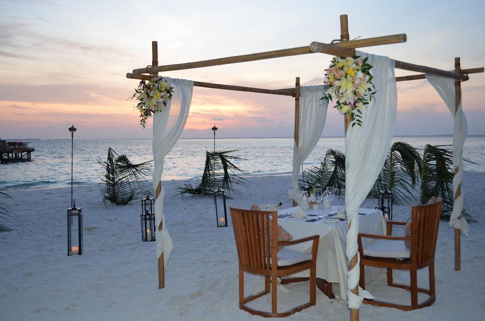 미리히 아일랜드 리조트(Mirihi Island Resort) Hotel Image 99 - Outdoor Wedding Area